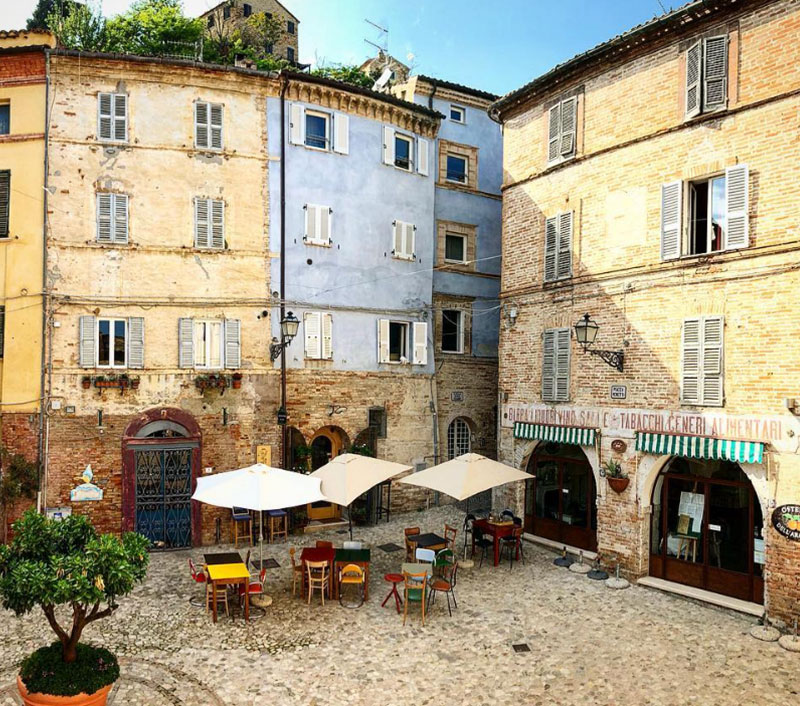 Interamnia Suites nei dintorni troviamo Grottammare Borghi più belli d'Italia